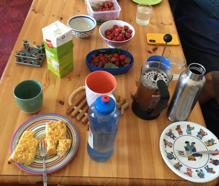 Erdbeeren auf dem Tisch